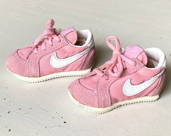 Vintage Infant Nike Sneakers, Pink & White Suede/Leather, Size 2 for Baby Girl, 80s Retro Preppy Sporty Nostalgic Fashion
