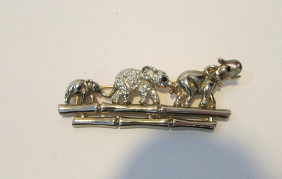 Elephant Family Pin Brooch Silver Tone Vintage Textured Black Accented Walking Adult Animals Trunks Raised