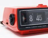 Radio alarm clock flip clock Sanyo