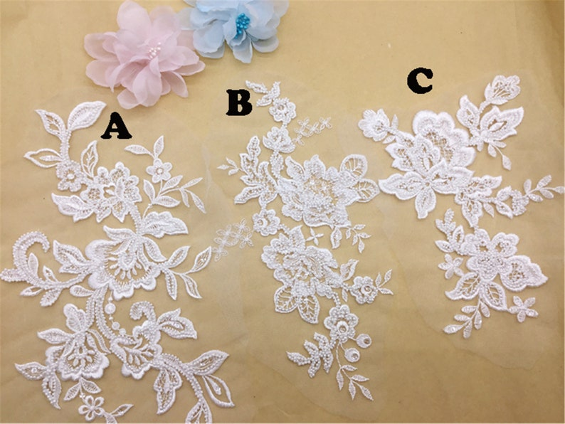 2019 New Arrival Floral Lace Applique 3D Beaded Lace Applique By the Piece Tulle Embroidery Lace Applique for Wedding Dress