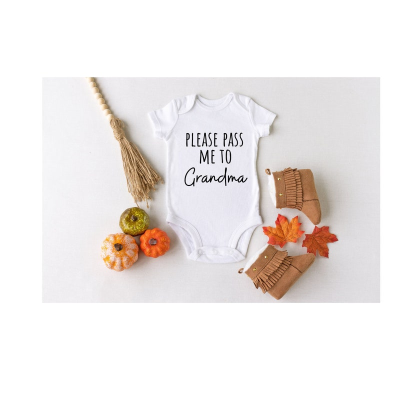 Announcement Onesie Gift for New Grandma baby onesie Please Pass Me To Grandma Grandparentsbaby clothes Pregnancy Announcement Onesie
