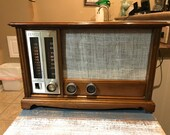 Restored Zenith N731 AM FM Tube Radio With MP3 Input in a Beautiful American Provincial Maple Wood Cabinet From 1965
