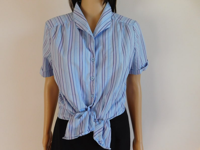 Tie in front womens vintage button up blouse shirt-striped-short cuffed sleeves-Great with jeans-machine washable-Size Medium-Free shipping