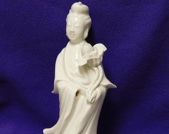 129- Vintage lady statue Quan Yin made from real bonetusk Kwan yin
