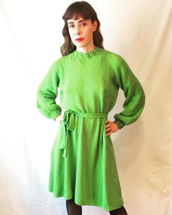 Vintage St John Knits Electric Green• Long Sleeve,