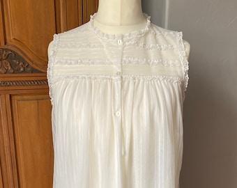 Cute 60s frilly white babydoll nightdress/ dress. Approx UK size 12-16