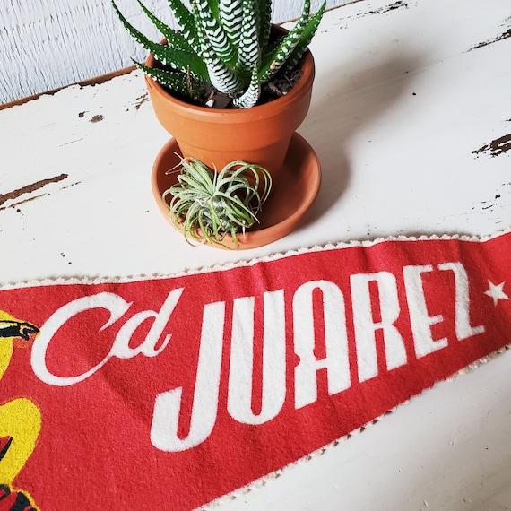 Vintage Ciudad Juarez Pennant. Souvenir banner from Mexico's Cd Juarez. 1950's.