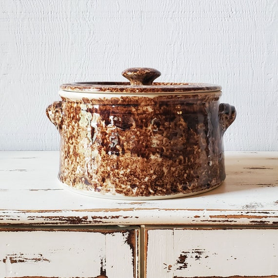 Vintage Forks Road Pottery porcelain casserole. Porcelain crock pot with lid. Brown spongeware.