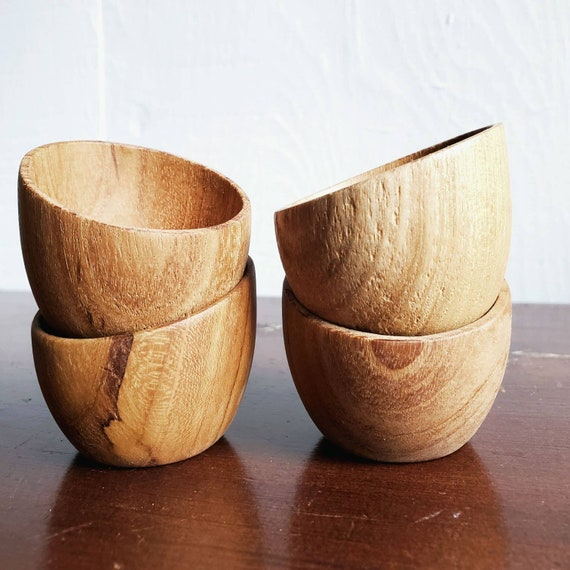 Tiny wooden bowl: egg cup, ring dish, airplant holder or pinch pot. Asymmetrical design.