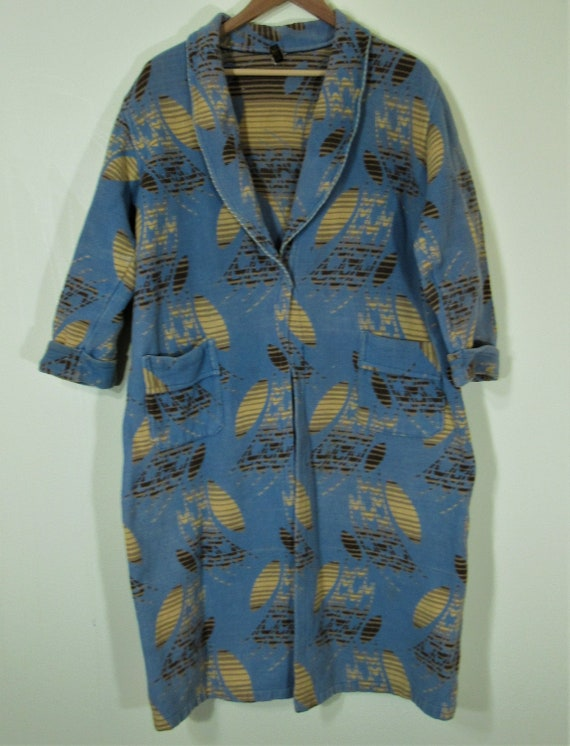 1930s? Beacon Blanket Blue Abstract Graphic Robe C