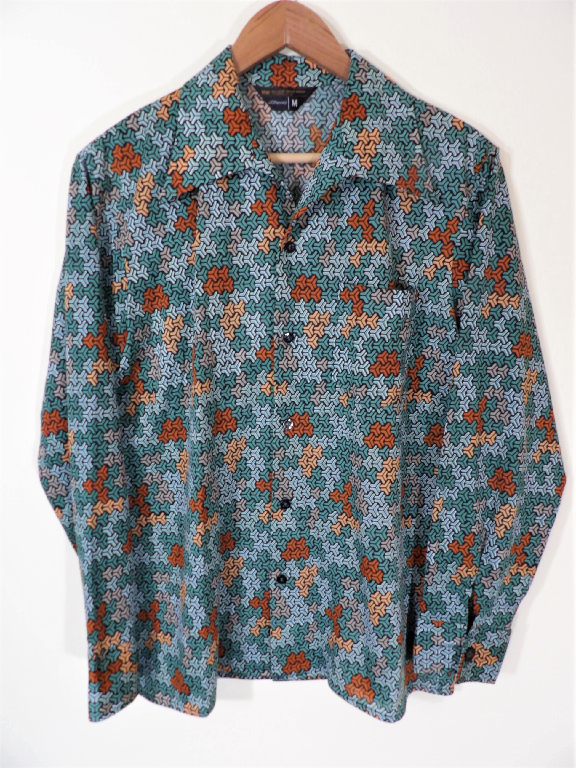 1970s Mens Shirt Styles – Vintage 70s Shirts for Guys Incredible 1970s Jcpenney Psychdelic Escher Print Geometric Elongated Collar Knit Disco Shirt Mens Chest 42 $0.00 AT vintagedancer.com