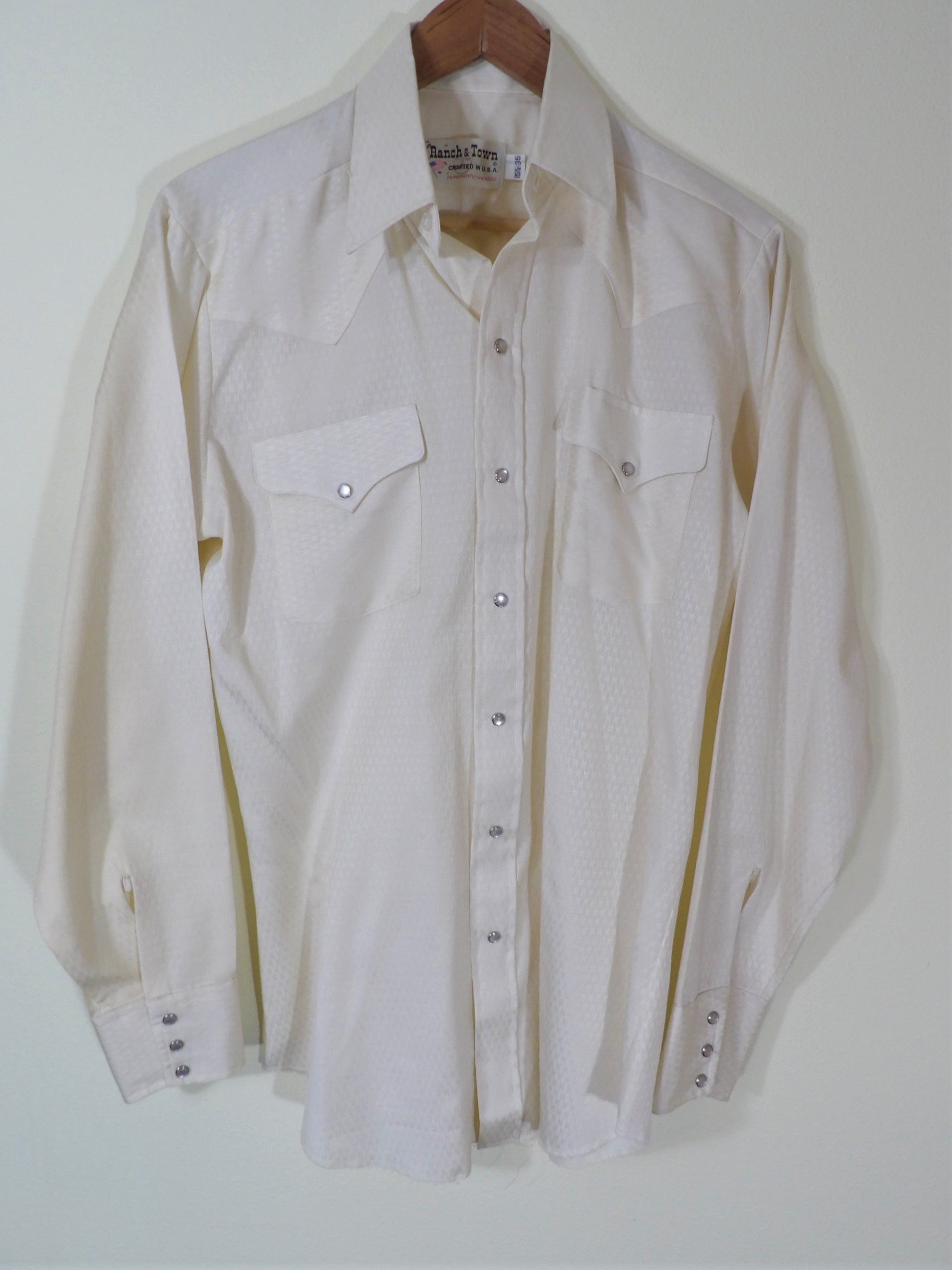 1970s Mens Shirt Styles – Vintage 70s Shirts for Guys 1970s Ranch  Town Cream PolyCotton Textured Weaved Western Pearl Snap Shirt Mens Chest 42 Made in Usa $0.00 AT vintagedancer.com