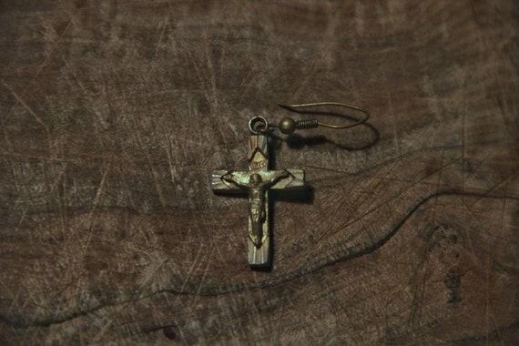 Jesus cross/crucifix jewelry