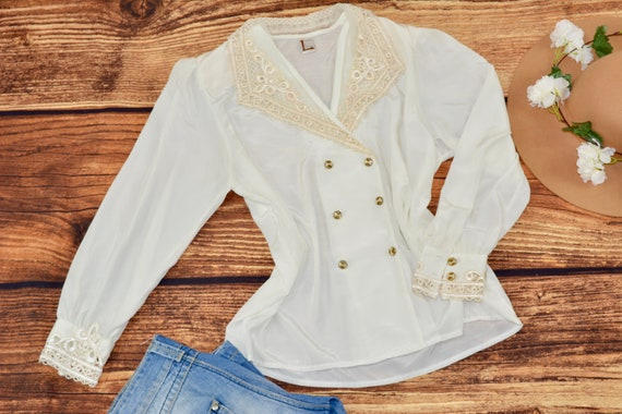 Big collar blouse White embroidered shirt Vintage