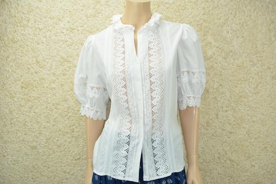 Vintage Bavarian style puffy sleeve blouse Size M