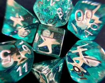 SEA STAR DNd DIce SEt for DUngeons and DRagons TTrpg, POlyhedral DIce SEt 4 TAbletop ROle Playing Games -- REal SEA SHELLs INside!!
