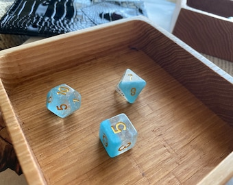 WOod DNd DIce tray, Small HAndmade Wooden TRay for d&D, Dungeons and DRagons, warhammer 40K, TT RPG. Sustainable Hardwood HIckory