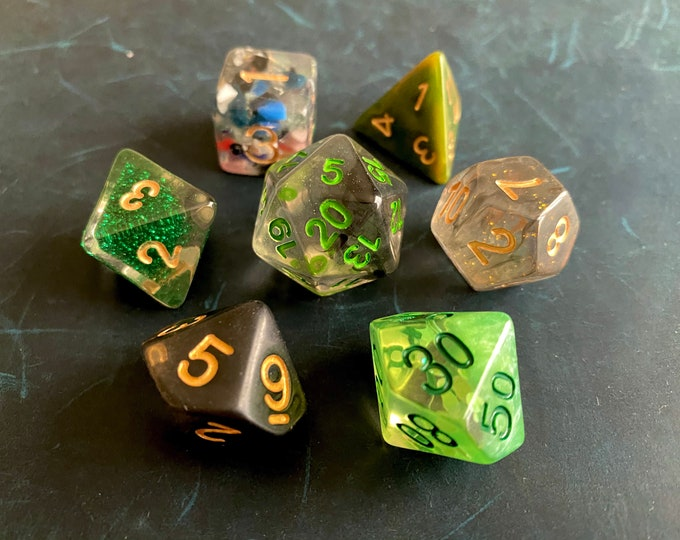 A1B9 Mixed DNd Dice set FOr Dungeons and Dragons RPg POlyhedral DIce