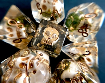 MOSSY SKULL dnd Dice Set, d20 Polyhedral dice set for Tabletop role playing games - skull DIce, Bone Necromancer