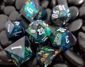 Ravens Potion Sharp Edge Dnd dice set, d20 Polyhedral dice set for Dungeons and Dragons