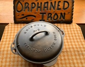 Griswold 8 Tite-Top Dutch Oven with Raised Logo Lid