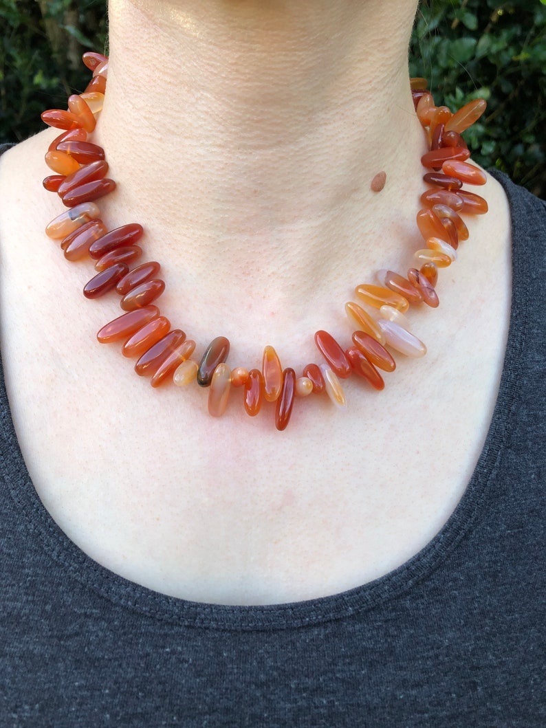 17\u201d Long. Beautiful Vintage Polished Natural Stone Beaded Necklace