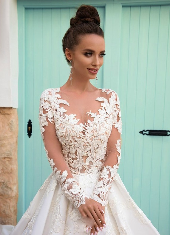 Floral Wedding Dress With Short Sleeves And Tulle Skirt Etsy