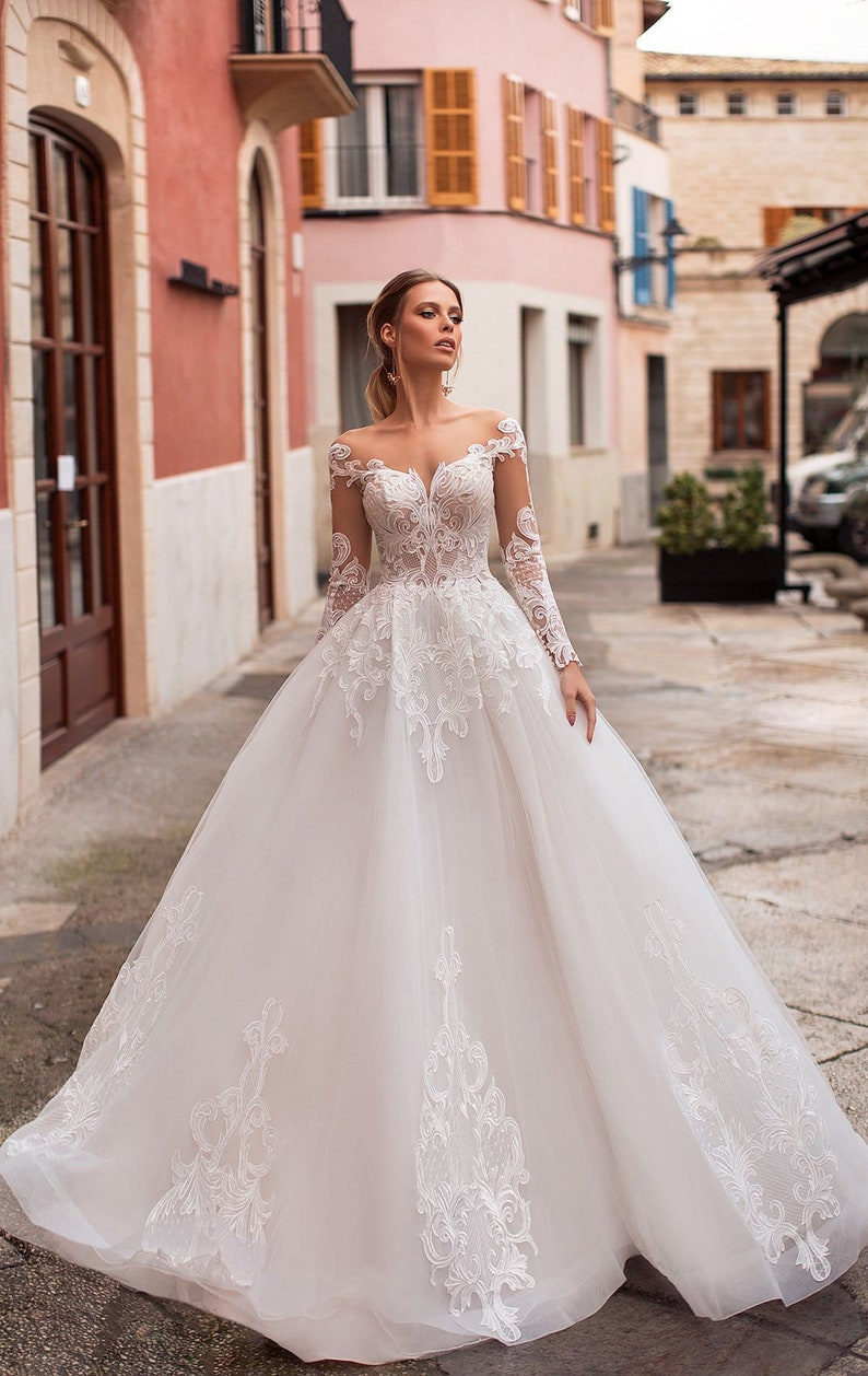 Off the shoulders wedding dress bridal lace dress with Long image 1