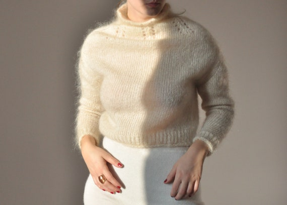 Vintage high neck mohair cream sweater