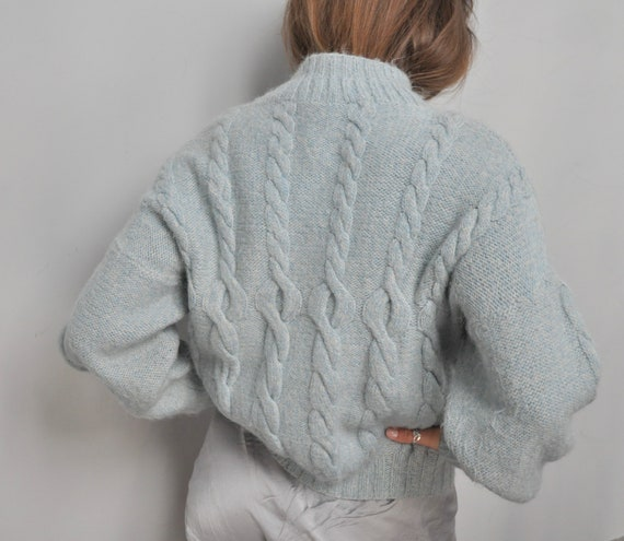 Vintage 30s hand knit chunky sweater in pastel blu
