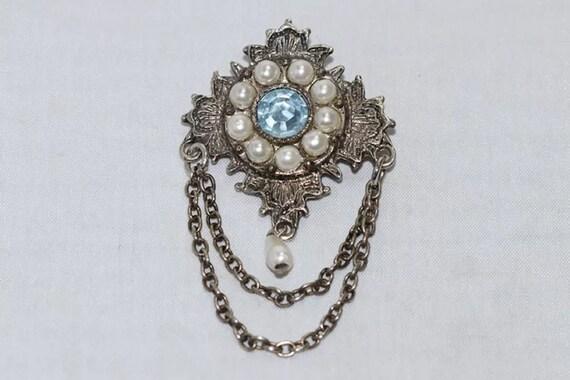 Vintage Pearl Brooch - image 2