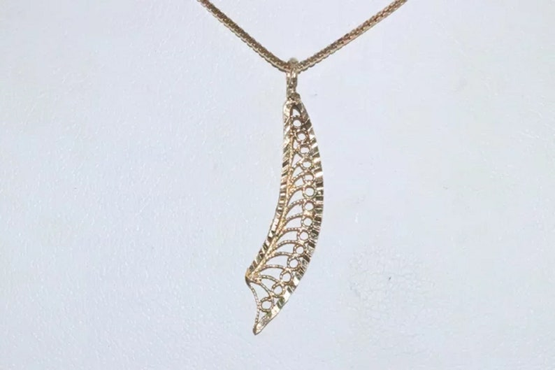 14K Yellow Gold Diamond Cut Filigree Rope Wing Necklace