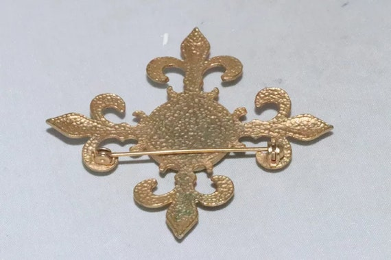 Vintage Synthetic Pearl Brooch - image 3