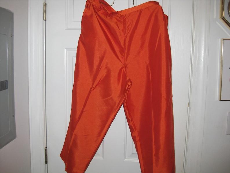 #97831 NylonPolyester Size 16 Vintage Women Jonathan Logan Tangerine DressCasual Capri Pants w Novelty Plus Inc Top Pants Out Shell