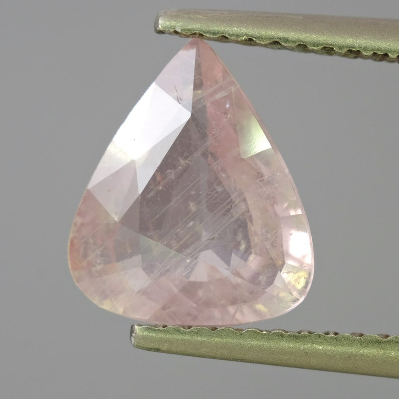 Completely natural Sapphire Songea 2.00ct 9.5x8.2x3.5mm Loose Gemstone Untreated Unheated