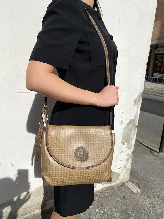 80s Crossbag FENDI/Fendi bag/Leather bag/Cross bag