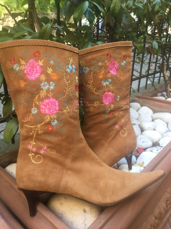 vintage boots/ Leather boots embroidery/ Brown lea