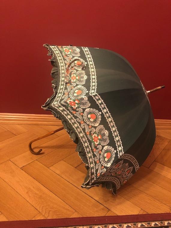 Antique green cotton parasol - edwardian - victori