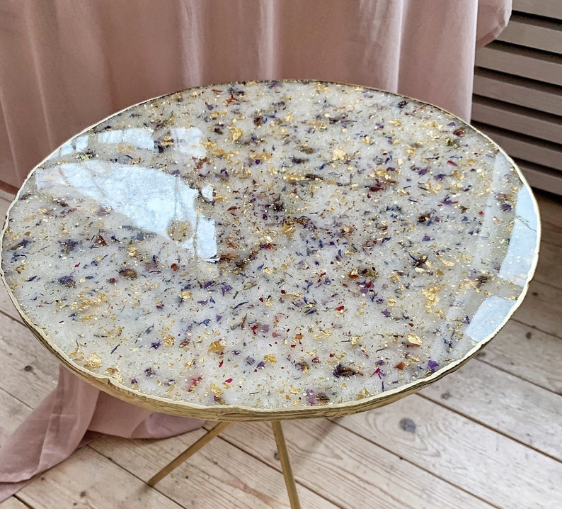 Boho Flower Resin Round Coffee Table with Pressed Flowers