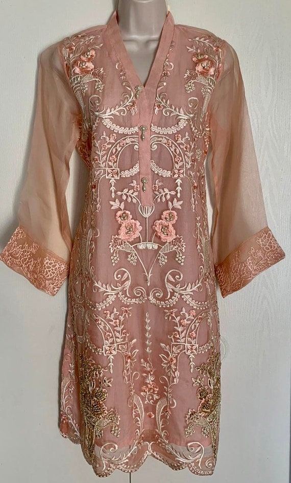 Agha Noor Kurtis Etsy Agha noor is a retail sensation and a famous designer brand in pakistan. etsy