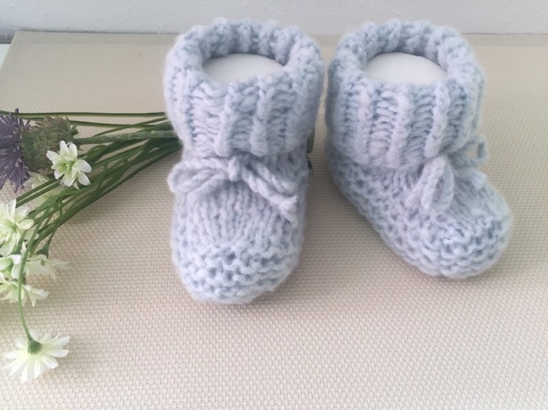 Baby shoes hand knitted size 16-18