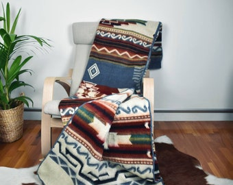 "Reversible Alpaca Wool Blanket / throw - Extra Large - Soft & Warm - Southwestern/Aztec Design Pattern - 75"" x 90"" / 195cm x 230cm"