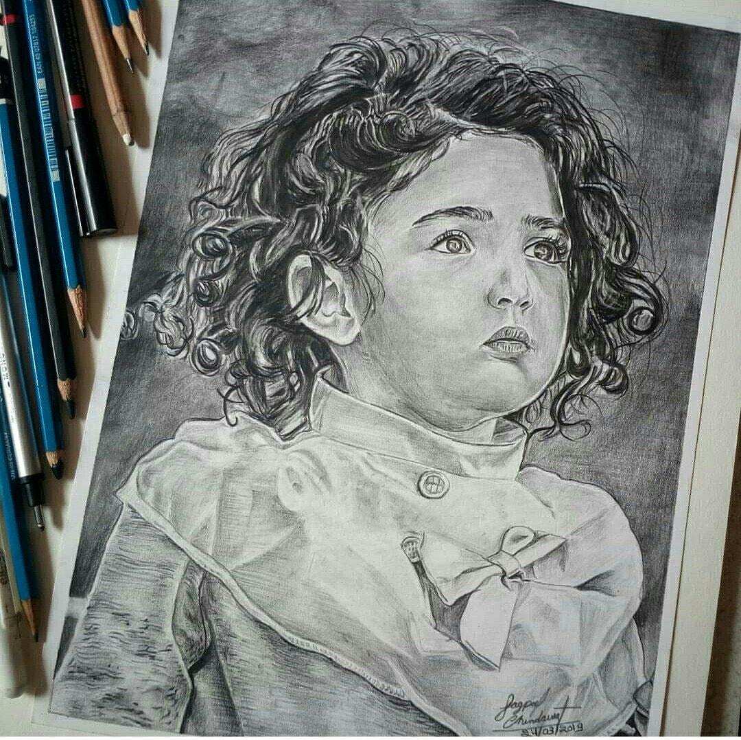 Pencil sketch of beautiful girl