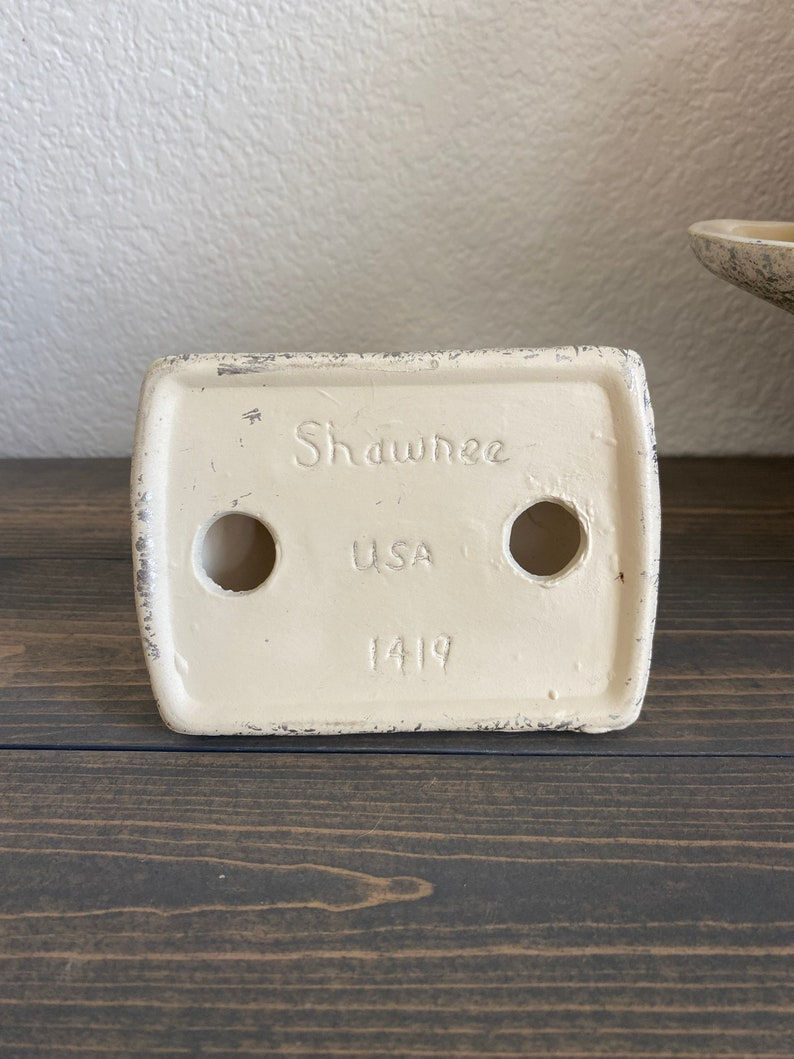 CONSOLE SET Shawnee Pottery
