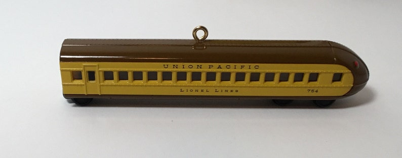 Union Pacific Streamliner Buffet Coach Hallmark Keepsake Lionel Train Ornament