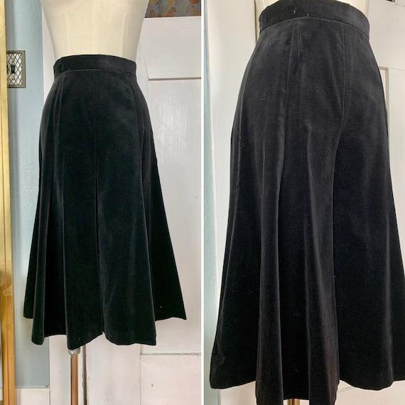 Vintage 70s Black Velveteen Gauchos, XS
