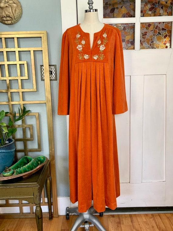 Vintage 70s Midi Length Miss Elaine Caftan Robe, M