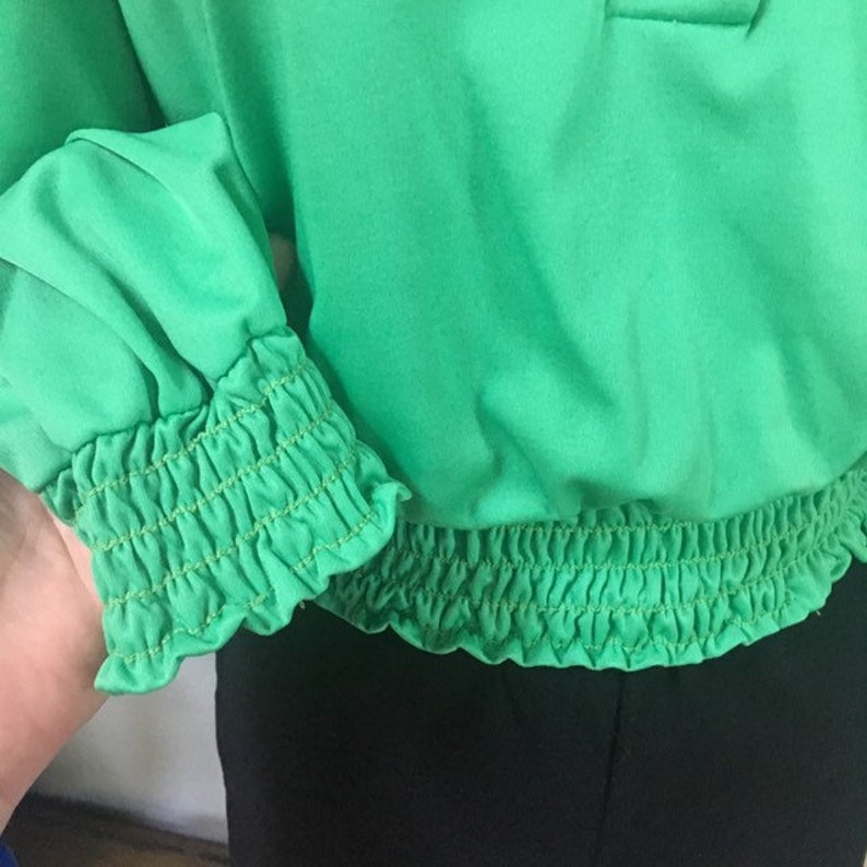 Green XS S Vintage 70s Smock Waist and Wrists Blouse