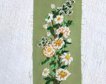 Vintage Crewel Embroidery Piece with Daisies