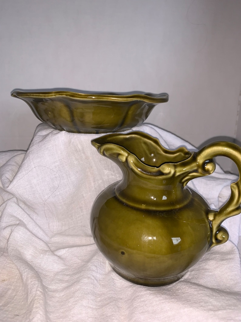 1970/'s McCoy Avocado color Small Pitcher and Bowl